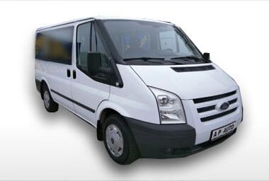 minibus z půjčovny dodávek